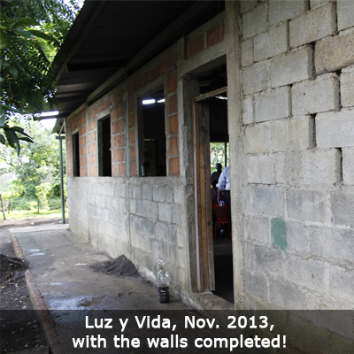 8 Nica-Luz-y-Vida-walls-finished
